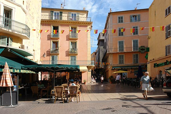 Hy res petit guide de la ville de hy res les for Decor de france hyeres